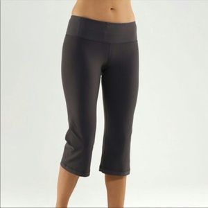 Lululemon reversible groove crop grey yoga pants